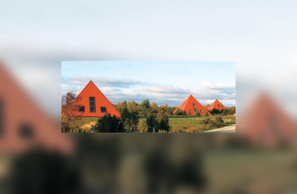 Püramiidideküla ootab omamoodi elanikke