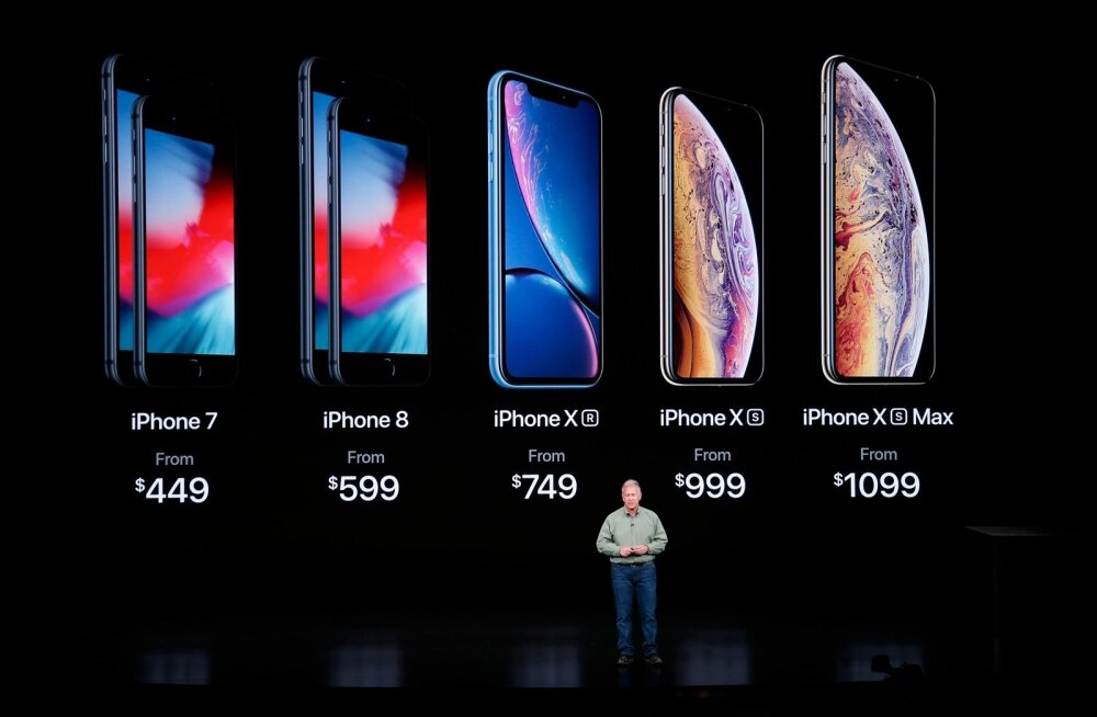 Apple'i asepresident Phil Schiller iPhone'i uute versioonidega.