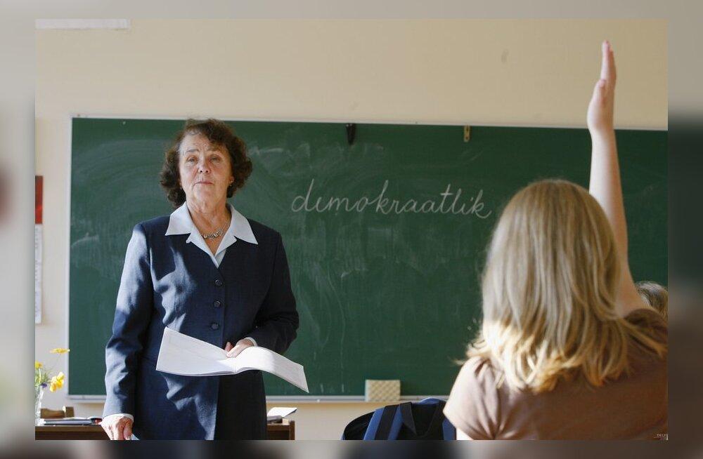 Haridusministeerium: paljud õpetajad peavad hakkama andma mitut õppeainet.