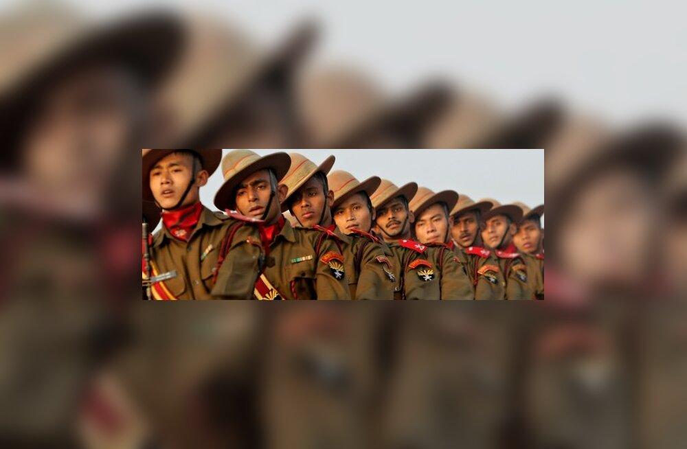 India sõdur lasi posu kaasvõitlejaid maha