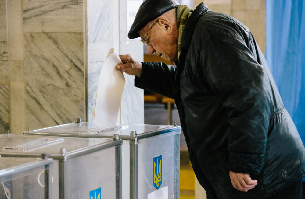 Президентские выборы в Украине: высокая явка и очереди перед участками