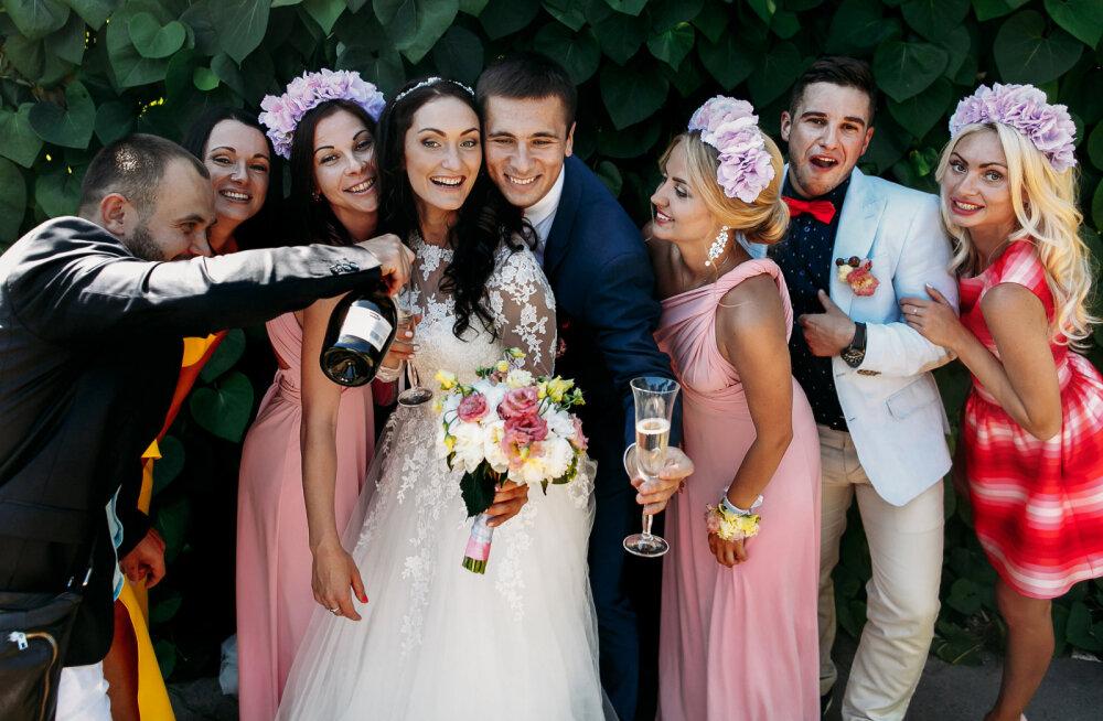 """""""Эгоисты — это гости, которые не прислушиваются к пожеланиям пары"""". Разумно ли устанавливать на свадьбе определенный дресс-код?"""