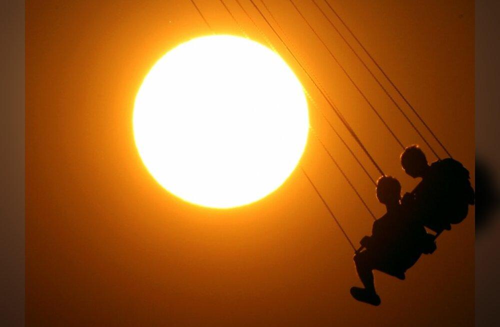 Saladuslik tumeaine võib jahutada Päikese tuuma