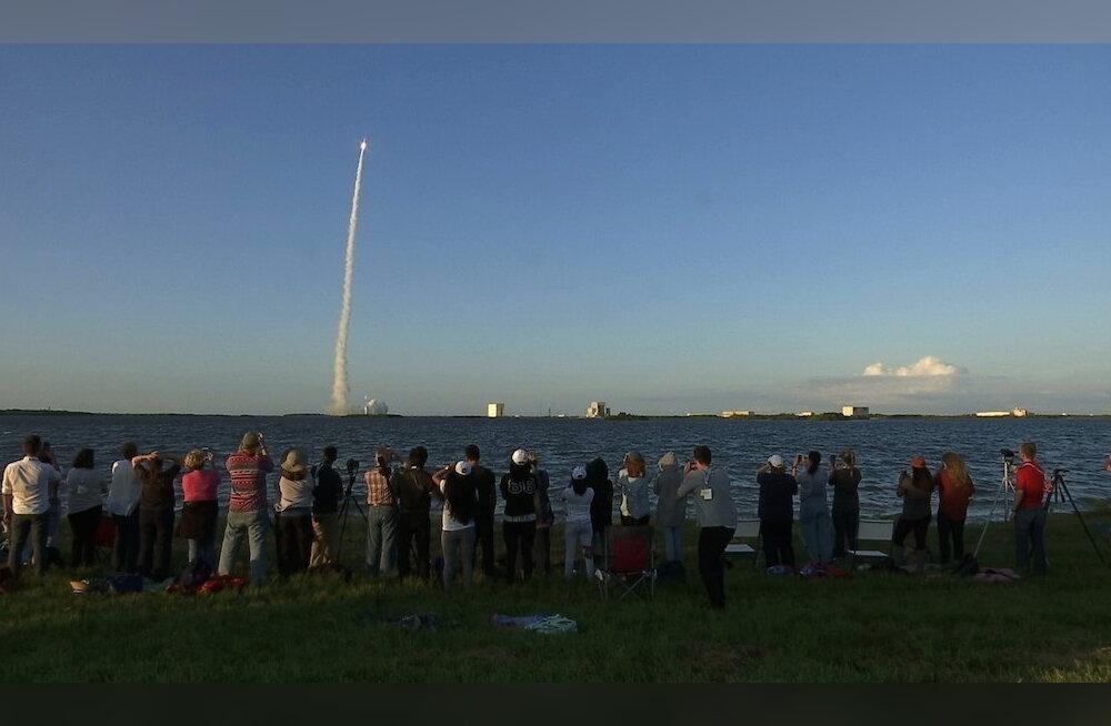 Seitse aastat sõitu: kosmosesond OSIRIS-REx startis öösel asteroid Bennu suunas