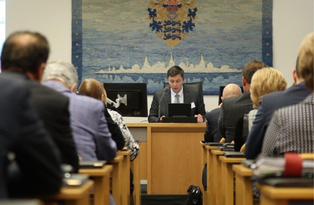 Reformierakond soovib Tallinna volikogu saali suurt Eesti lippu, Kõlvarti sõnul pole selle jaoks ruumi