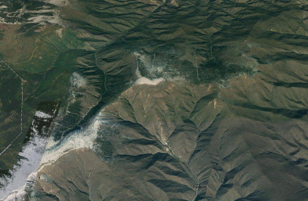 Satelliidifotod näitavad, et Põhja-Korea tuumakatsemägi võib olla varisemisohtlikuks muutunud