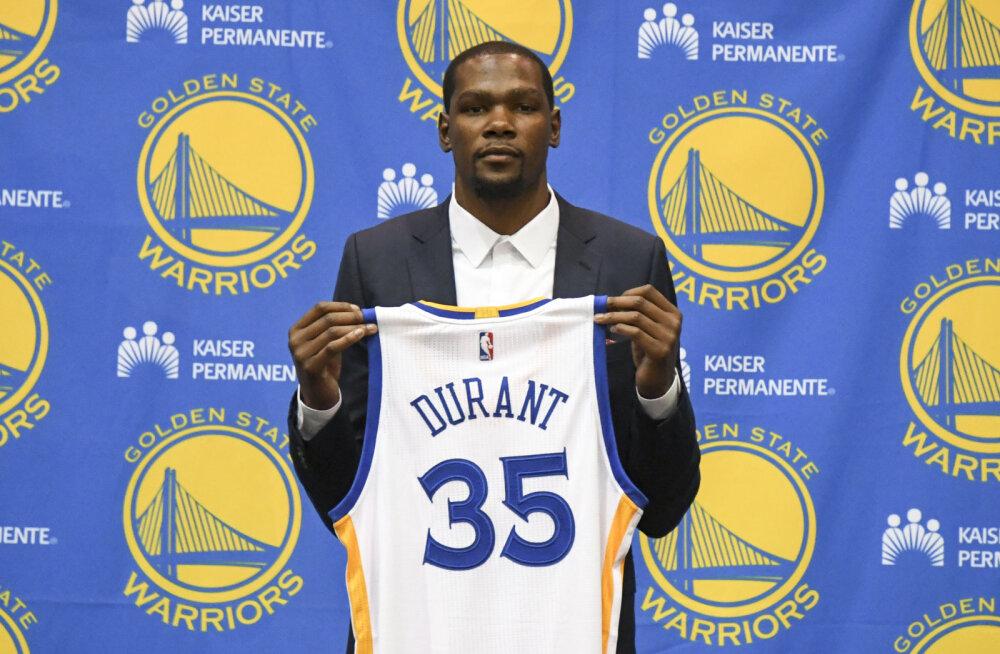 29 PÄEVA NBA HOOAJA ALGUSENI: Kevin Durant heitis vaenlasega ühte voodisse. Miks ometi?