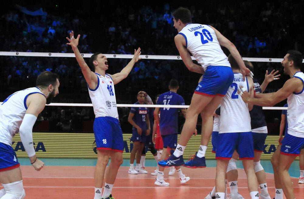 Serbia võrkpallurid juubeldavad