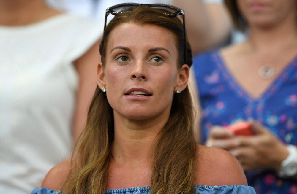 Jalgpallurite naised tülis! Wayne Rooney abikaasa avastas, kuidas tema eraeluline info kõmulehte jõudis
