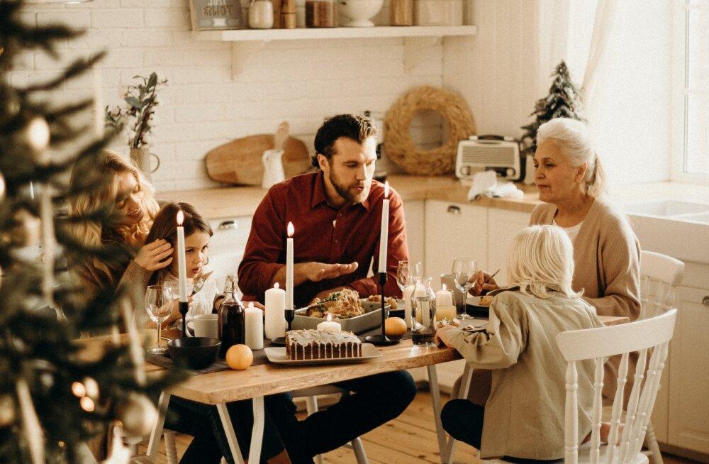Jõulukuu AUHINNAMÄNG | Jaga pilti oma kaunist peolauast ja võida elegantne auhind Iittalalt