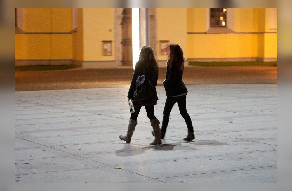 Исследование: эстонская молодежь пьет алкоголь чаще неэстонской
