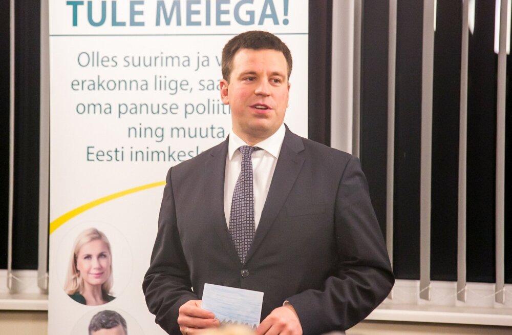 Peaminister Jüri Ratas Saaremaal , Ratas kohtus poliitikahuvilise õpilasega