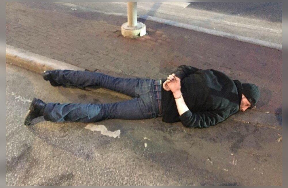 ФОТО: Охранники задержали нарушавшего ПДД водителя — он оказался мертвецки пьян