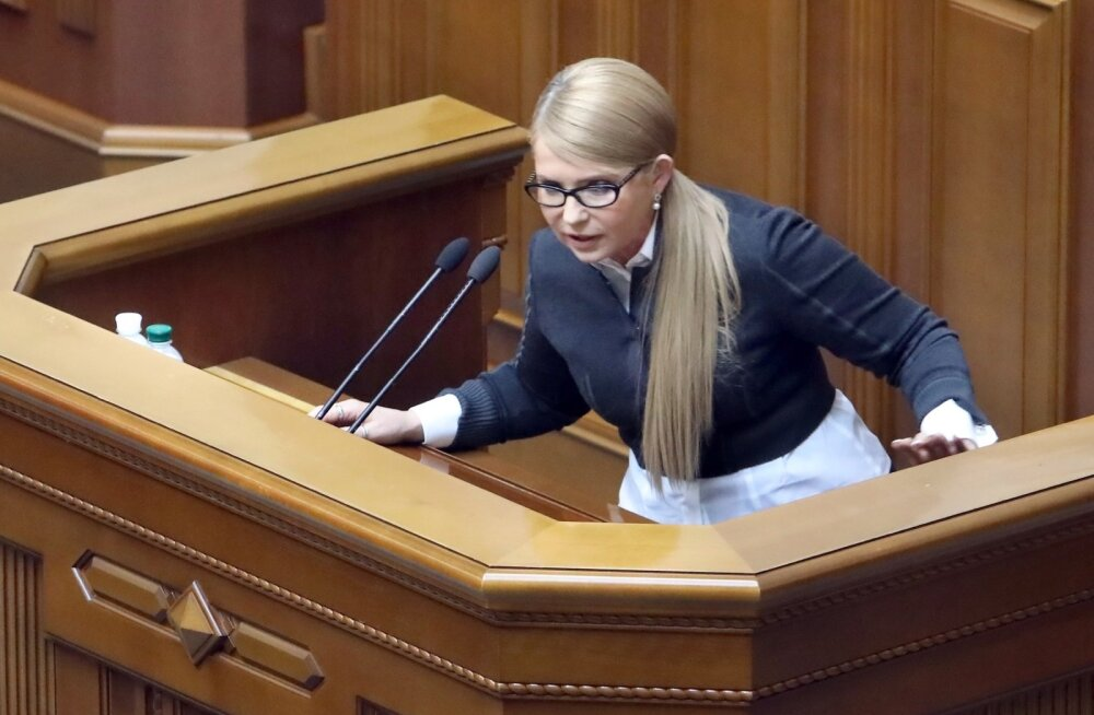 Tõmošenko süüdistas Porošenkot riigireetmises ja teatas tagandamisprotsessi alustamisest