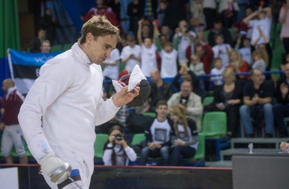 Николай Новоселов проиграл в Баку российскому шпажисту