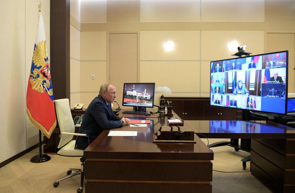 Kremli teatel ei vasta kuulujutud Putini varjumisest Siberisse või kuhugi punkrisse tõele