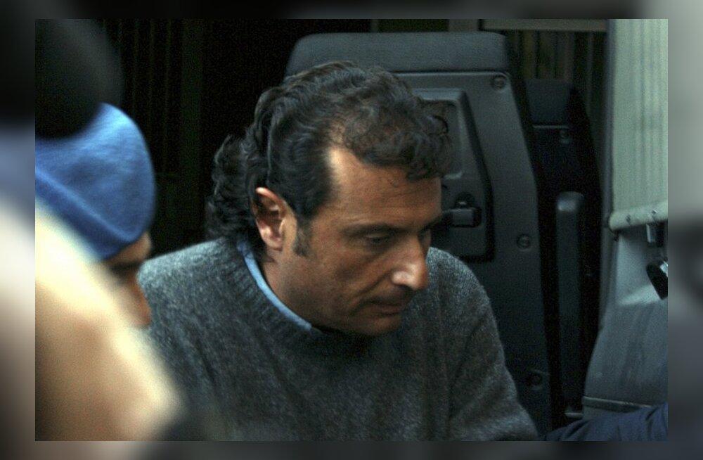 Karile sõitnud Costa Concordia kapten pandi koduaresti