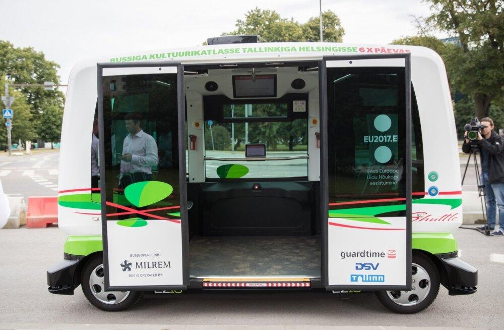 Isejuhtivate busside liini avamine