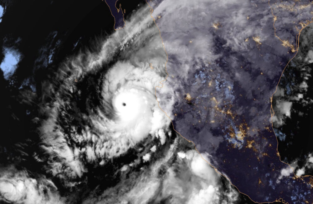 USA portaal: Trump tegi ettepaneku orkaanide peatamiseks tuumapommidega