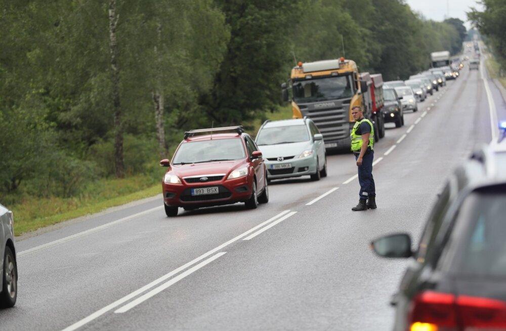 Täna juhtus Tallinna ringteel kaks liiklusõnnetust, ühes toimetati haiglasse 8-kuune imik, teises sai raskelt viga 28-aastane noormees