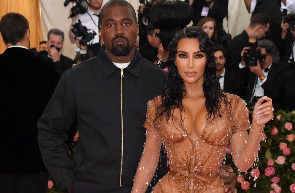 KLÕPS   Fännid pettunud! Usutakse, et Kim Kardashian avaldas lapsest tehtud pildiga Psalmi teise nime