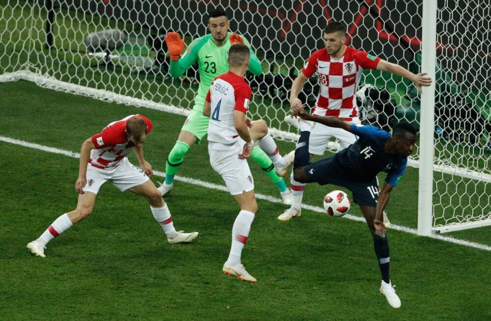 Olukord, kus pall puutus Ivan Perisici kätt