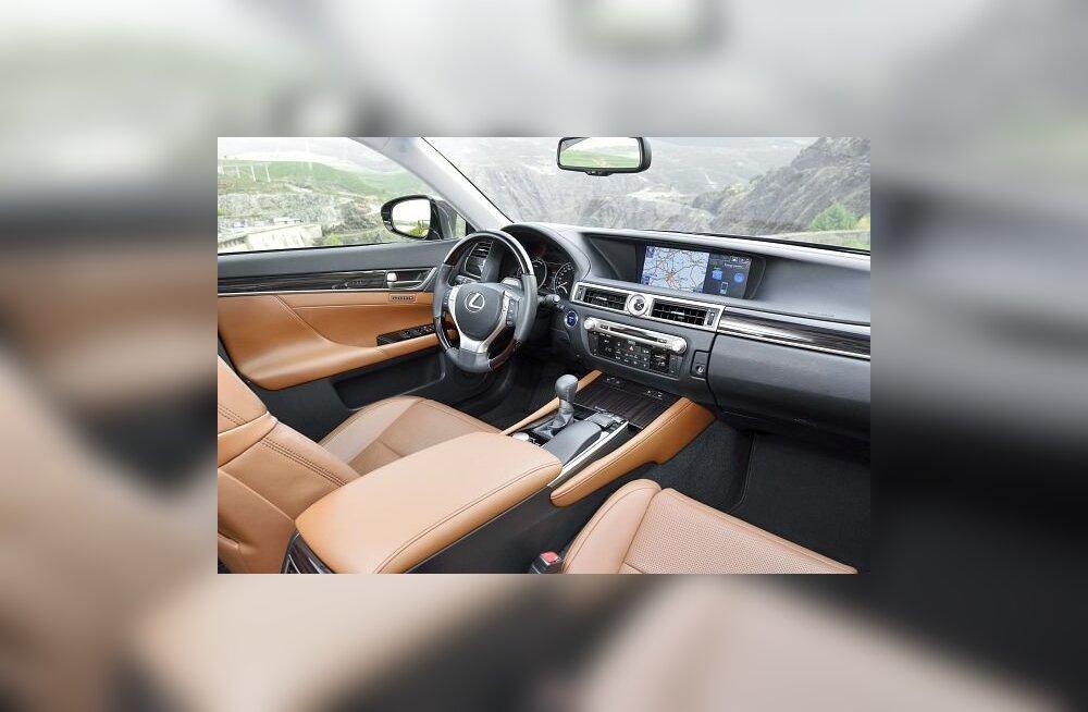 PROOVISÕIT: Lexus GS 300h - hübriidid ruulivad