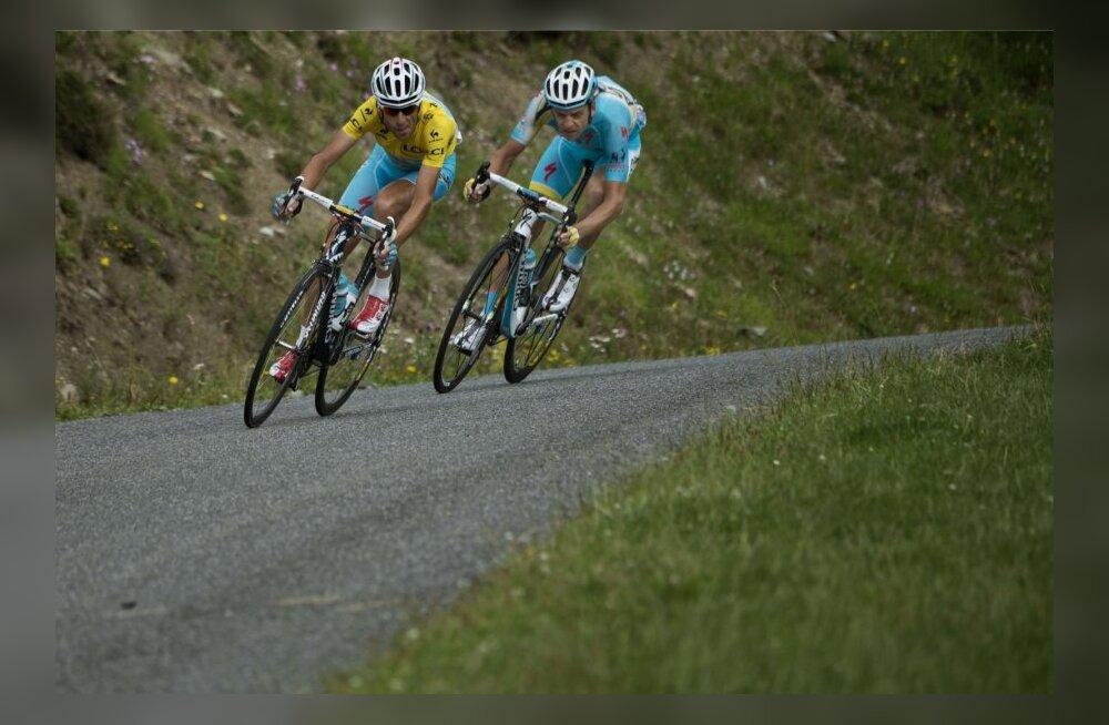 Vincenzo Nibali ees ja Tanel Kangert kannul