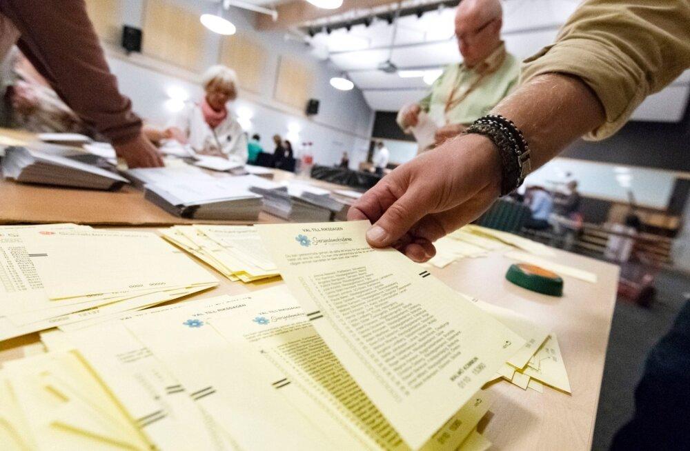 Häälte lugemise vea parandus andis Rootsi Demokraatidele parembloki arvelt esialgselt ühe parlamendikoha juurde