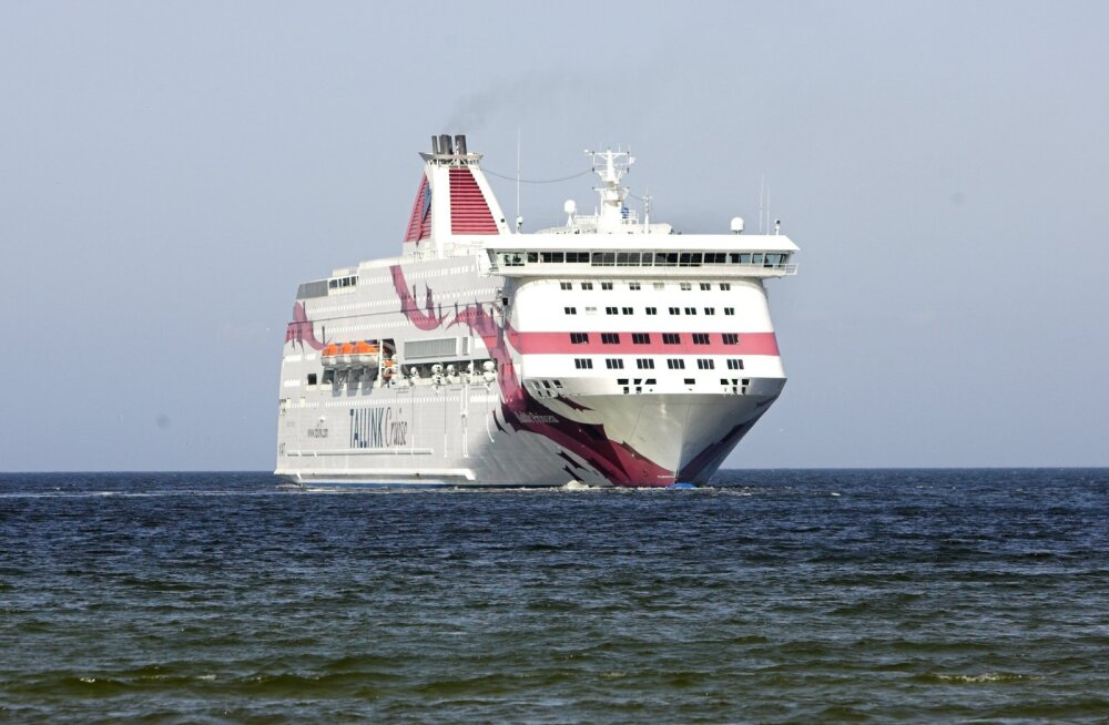 Rootsi lehes imestati Tallinki laeval kontserdipubliku lava ette kogunemise üle