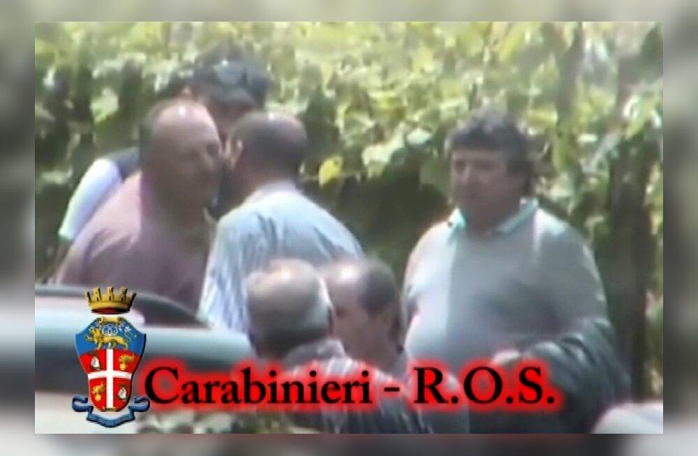 VIDEO: Itaalia politsei salvestas salaja maffia vandeandmistseremoonia