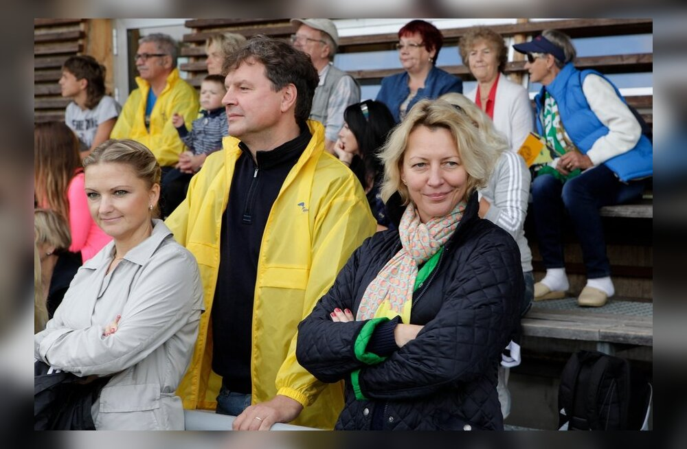 Vilja Savisaar-Toomast ja Taimo Toomast Hiiu staadioni avamisel