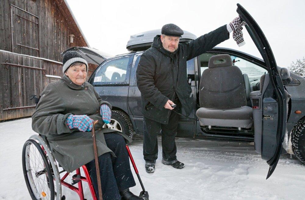 Invatakso soetamisel sirutas abikäe 102-aastane memm