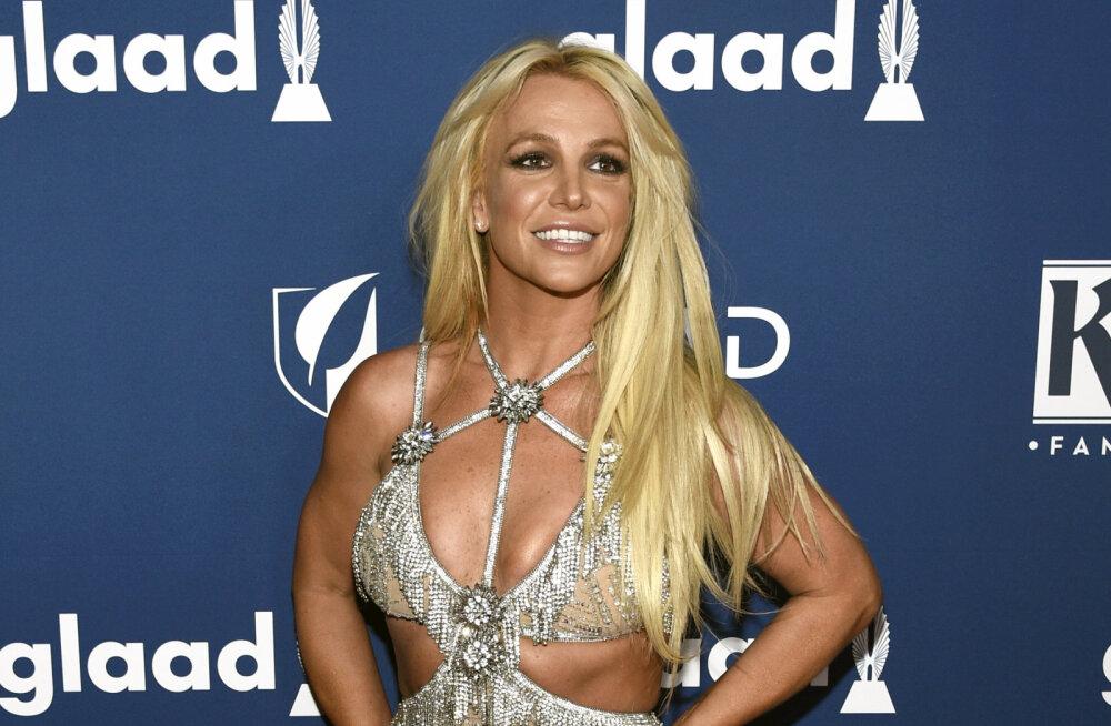 Kisub tõsiseks! Britney Spearsi eksmänedžer sai kohtult lähenemiskeelu