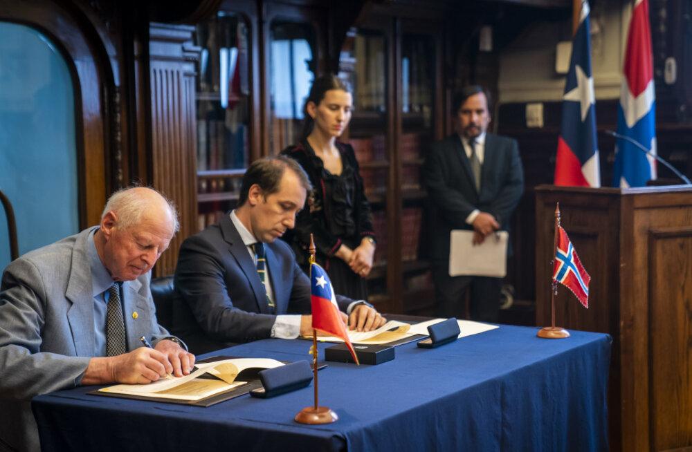 Norralased tagastavad Tšiilile Lihavõttesaare muistised