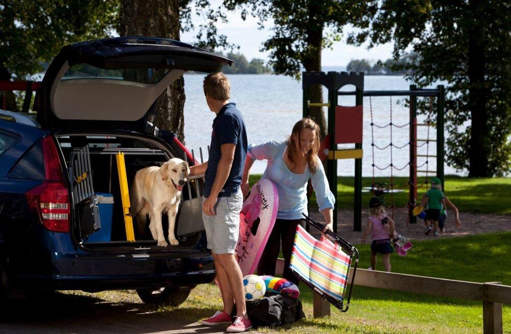 Autoga reisides tuleb meeles pidada, et teistes Euroopa riikides võivad koerte sõidutamisel kehtida oluliselt rangemad reeglid kui Eestis.