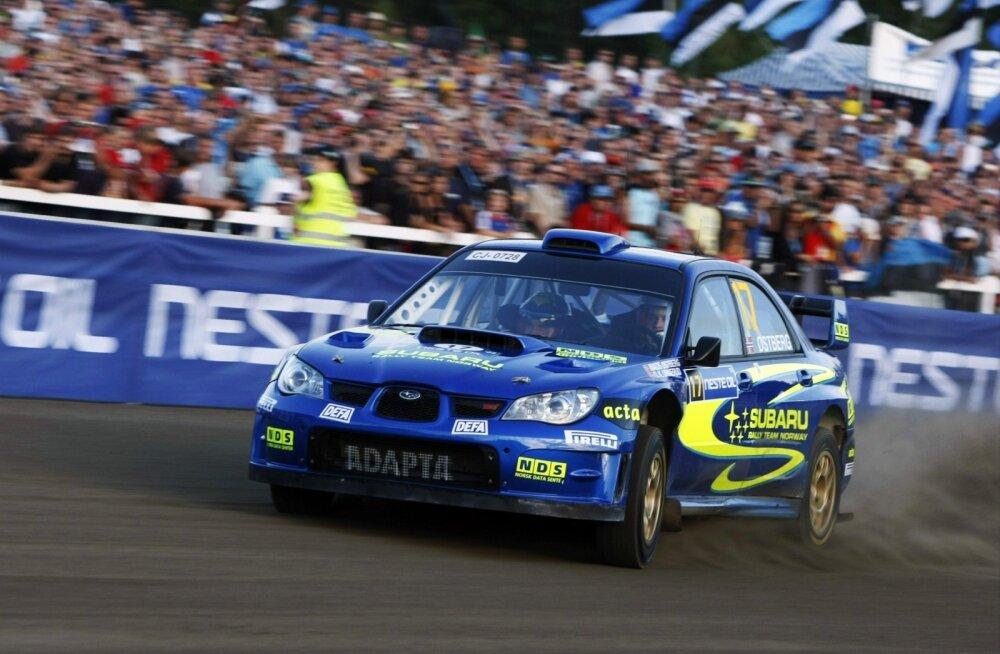 Mads Østberg kihutas 2008. aastal Soome rallil Subaru roolis.