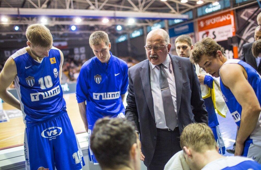 Kalle Klandorf juhendab oma hoolealuseid, kes tänu linna toetusele mängivad uuel hooajal kolmes liigas.