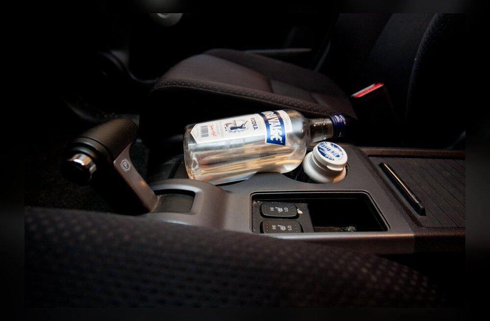 13 korda purjuspäi roolist tabatud taksojuht läheb aastateks vangi.