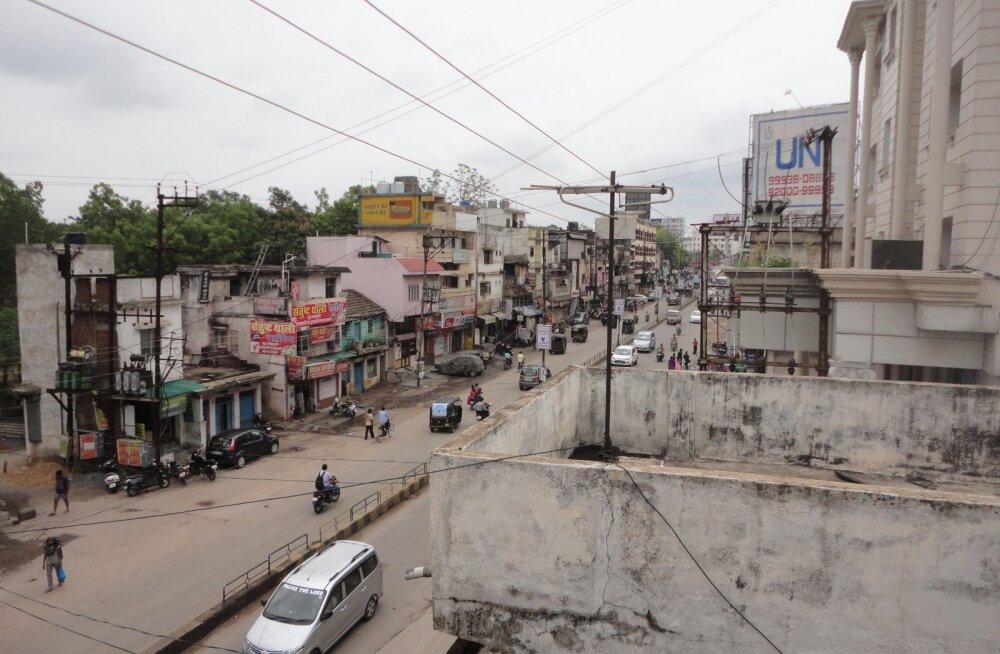 Rännak Indiasse Himaalaja jalamile, 1. osa: jaama infotöötaja jäi kõik vastused võlgu