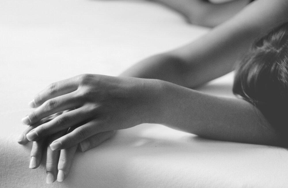 Abikaasat tabas raske haigus: käisin üksi saunas nutmas, ei tahtnud, et lapsed või mees näevad. Karjusin valust nii kuis jaksasin