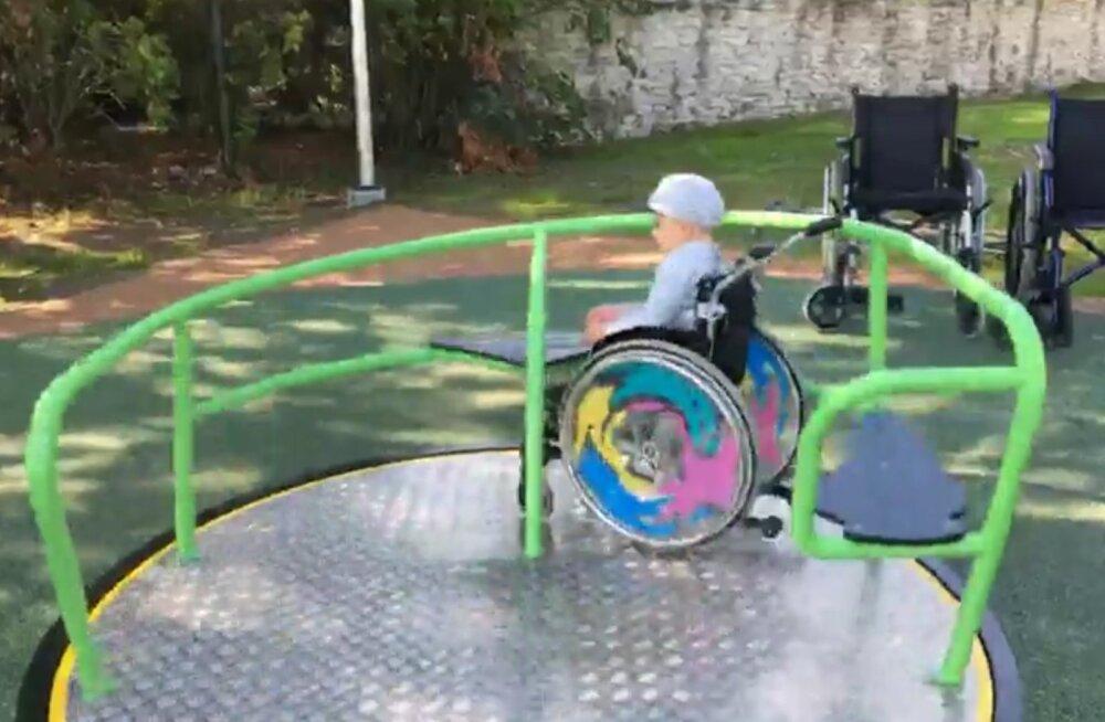 VIDEO | Haapsalu rehabilitatsioonikeskus avas ratastoolikasutajatele ainulaadse mängu- ja tegevuspargi