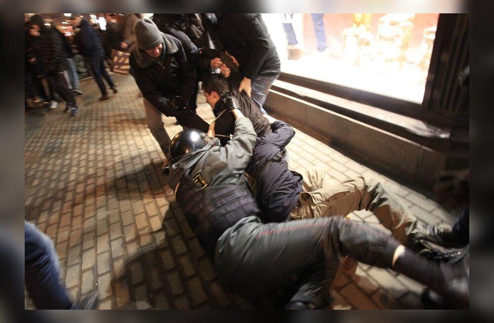 Moskvas ja Peterburis vahistati umbes 170 rahulolematut