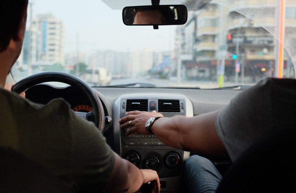 Kas sina soovid meie lapsed autoga sõitma õpetada?