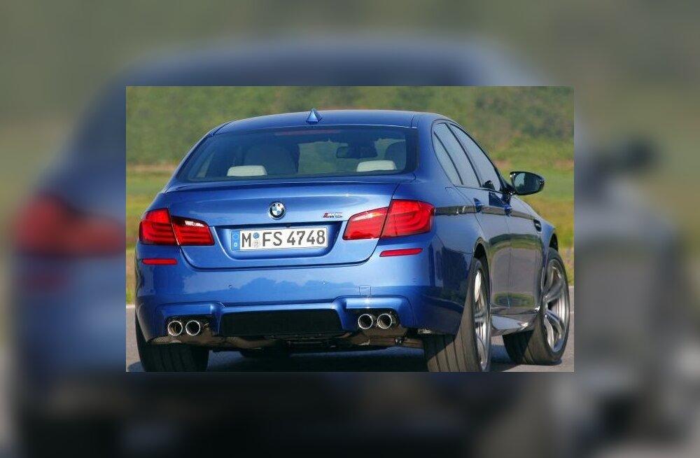 BMW M5 kurvis kudrutamas