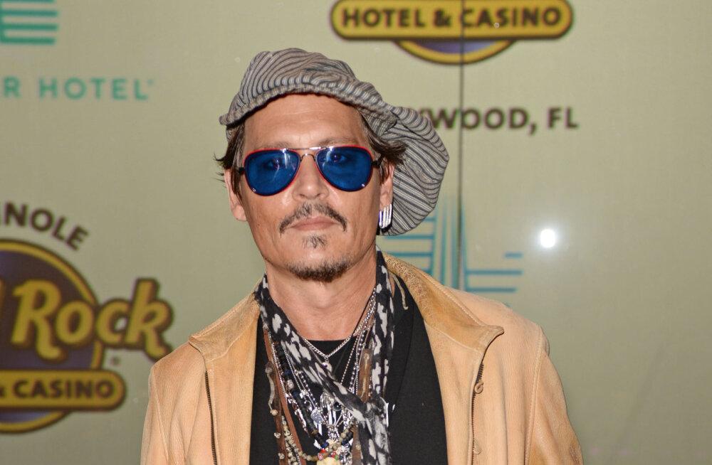 Kuulsuste põrgus: Johnny Depp lõpetas järjekordse kohtulahingu eksadvokaatidega