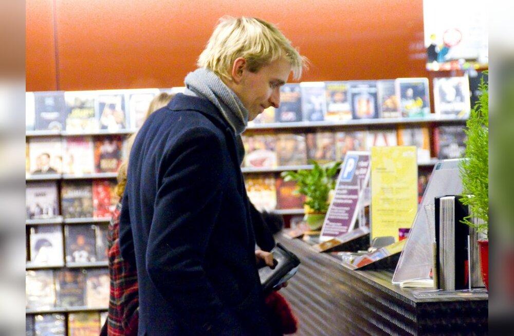FOTOD: Eurolaulik Robin Juhkental käis kinos!