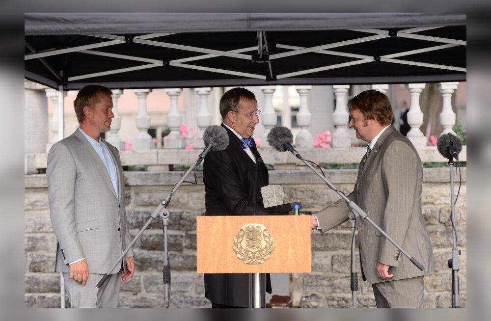 President Ilves andis iseseisvuse taastamise tänukivi kaitseliidule