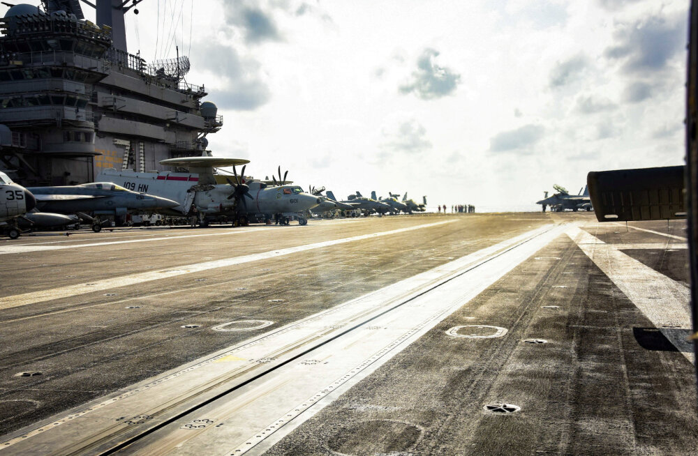 Koroonaviirusest haaratud USA lennukikandja kapten palus mereväel meeskond evakueerida