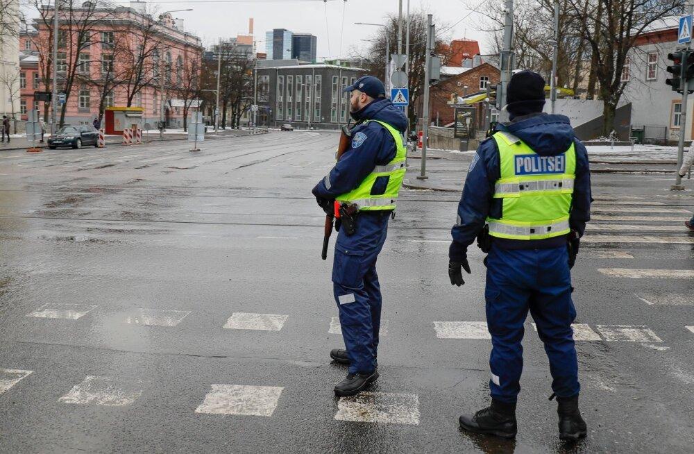 Politsei tagas korda Vabaduse väljakul